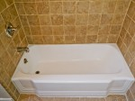 Bathtub Reglazing company in Los Angeles County